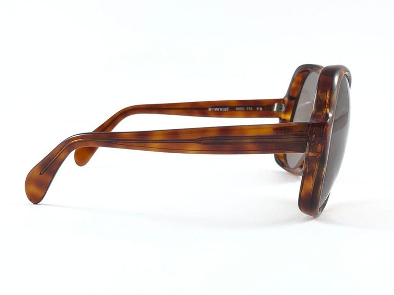 Vintage Rare Menrad 712 Oversized Cut Out 1970 Sunglasses In Excellent Condition For Sale In Amsterdam, Noord Holland