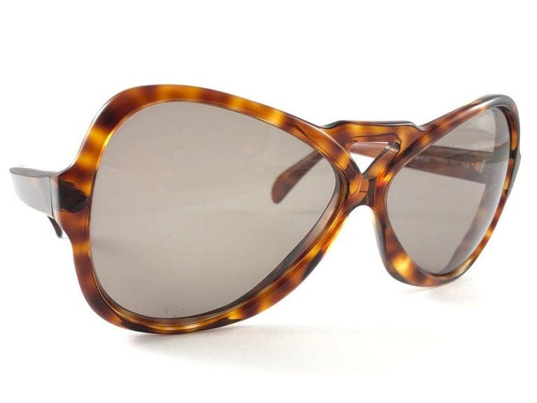 Vintage Rare Menrad 712 Oversized Cut Out 1970 Sunglasses For Sale 2