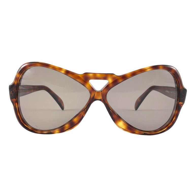 Vintage Rare Menrad 712 Oversized Cut Out 1970 Sunglasses For Sale