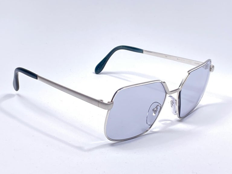 Sunglasses circa 1970's by Neostyle.    Please noticed this item its nearly 50 years old and has been on a private collection, therefore the frame show sign of wear according to age and minimum wear.  Made in France.