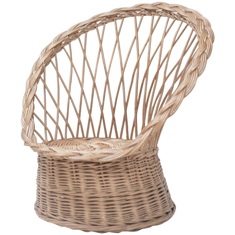 Etonnant Vintage Rattan Chair From France For Sale