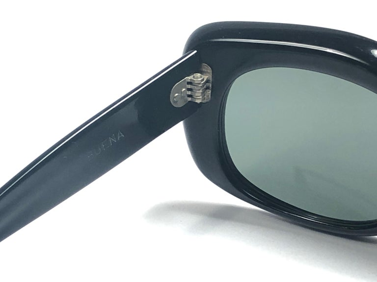 Vintage Ray Ban Buena 1960's Mid Century Black G15 Lenses B&L USA Sunglasses For Sale 2