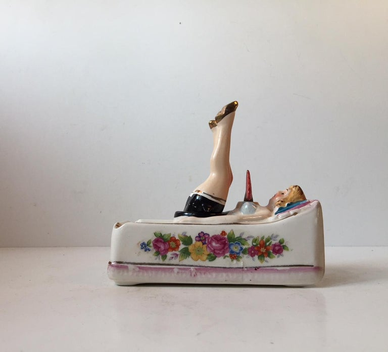 Vintage Reclining, Dancing Cancan Porcelain Ashtray by Takito, Japan, circa 1950 For Sale 4