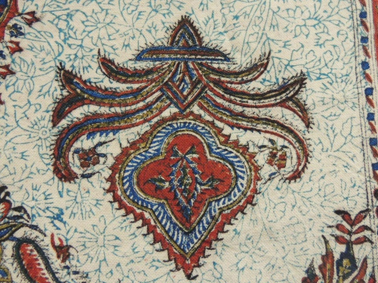Vintage Red and Blue Paisley Hand-Blocked Cloth with Fringes In Good Condition For Sale In Fort Lauderdale, FL