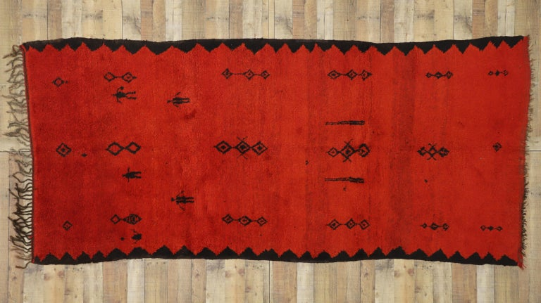 Vintage Red Beni Mrirt Carpet, Berber Moroccan Rug with Modern Tribal Style For Sale 2