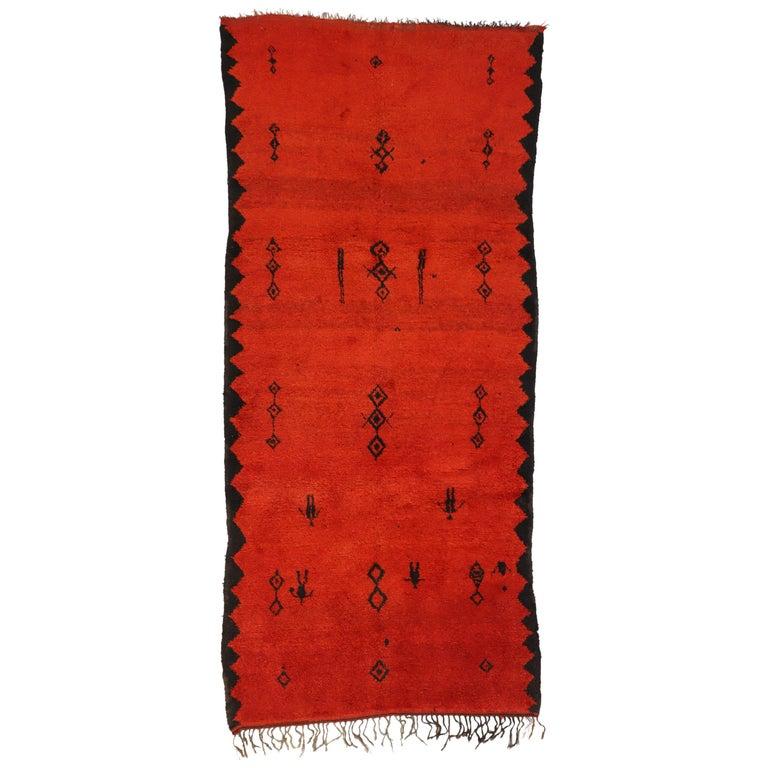 Vintage Red Beni Mrirt Carpet, Berber Moroccan Rug with Modern Tribal Style For Sale