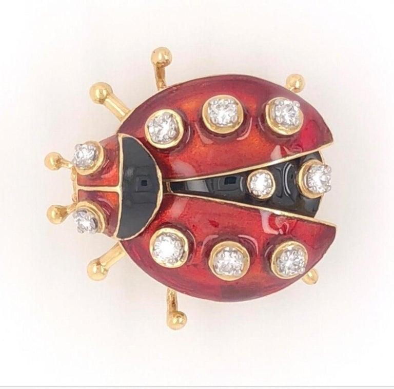 Vintage Red Enamel Diamond 18 Karat Gold Ladybug Brooch Pin Estate Fine Jewelry In Excellent Condition For Sale In Montreal, QC