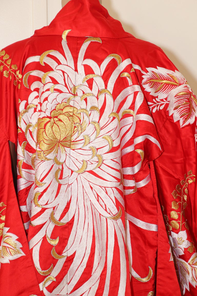 Vintage Red Silk Brocade Japanese Ceremonial Kimono For Sale 10