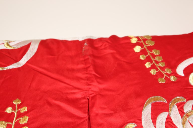 Vintage Red Silk Brocade Japanese Ceremonial Kimono For Sale 5