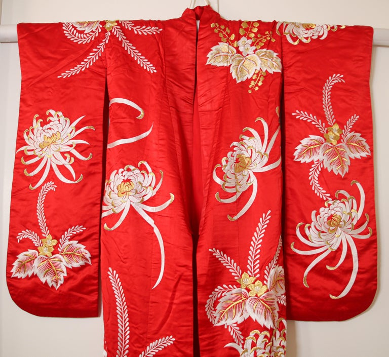 Japonisme Vintage Red Silk Brocade Japanese Ceremonial Kimono For Sale
