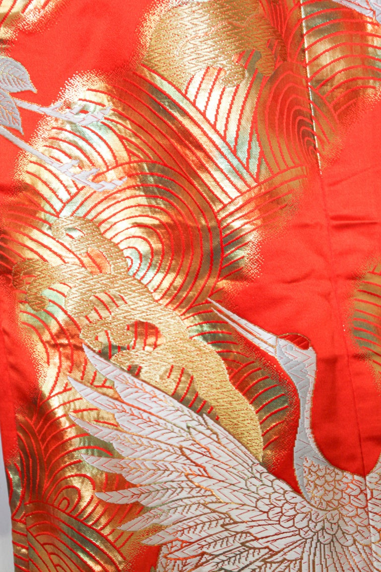 Vintage Red Silk Brocade Japanese Ceremonial Wedding Kimono In Excellent Condition For Sale In North Hollywood, CA