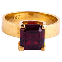 Vintage Red Tourmaline and 9 Carat Gold Cocktail Ring