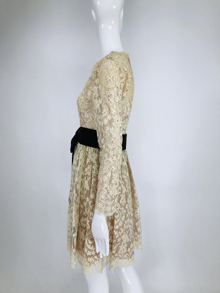 Vintage Rembrandt 1960s Cream Lace Baby Doll Dress In Excellent Condition For Sale In West Palm Beach, FL