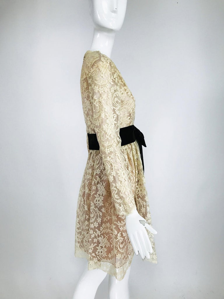 Vintage Rembrandt 1960s Cream Lace Baby Doll Dress For Sale 3