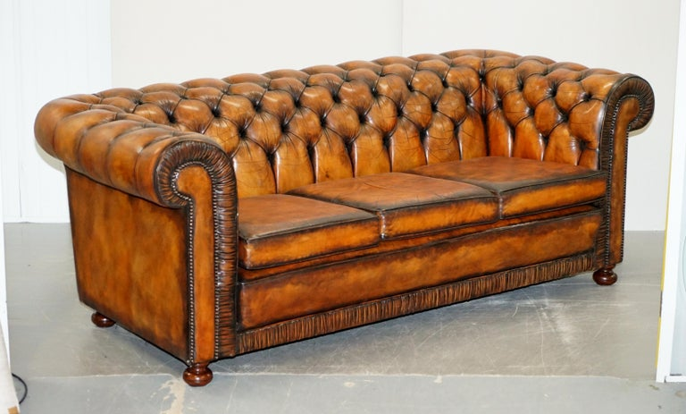 Vintage Restored Brown Leather Chesterfield Library Club Armchair and Sofa Suite For Sale 10