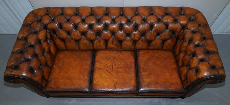 Vintage Restored Brown Leather Chesterfield Library Club Armchair and Sofa Suite For Sale 12
