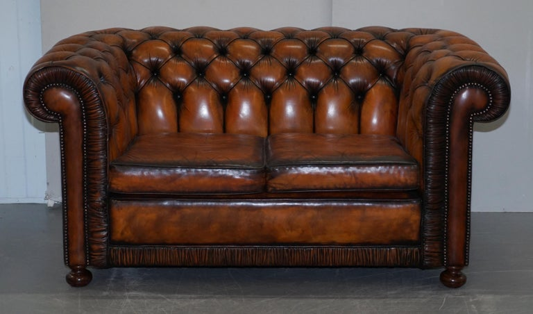 Hand-Carved Vintage Restored Brown Leather Chesterfield Library Club Armchair and Sofa Suite For Sale