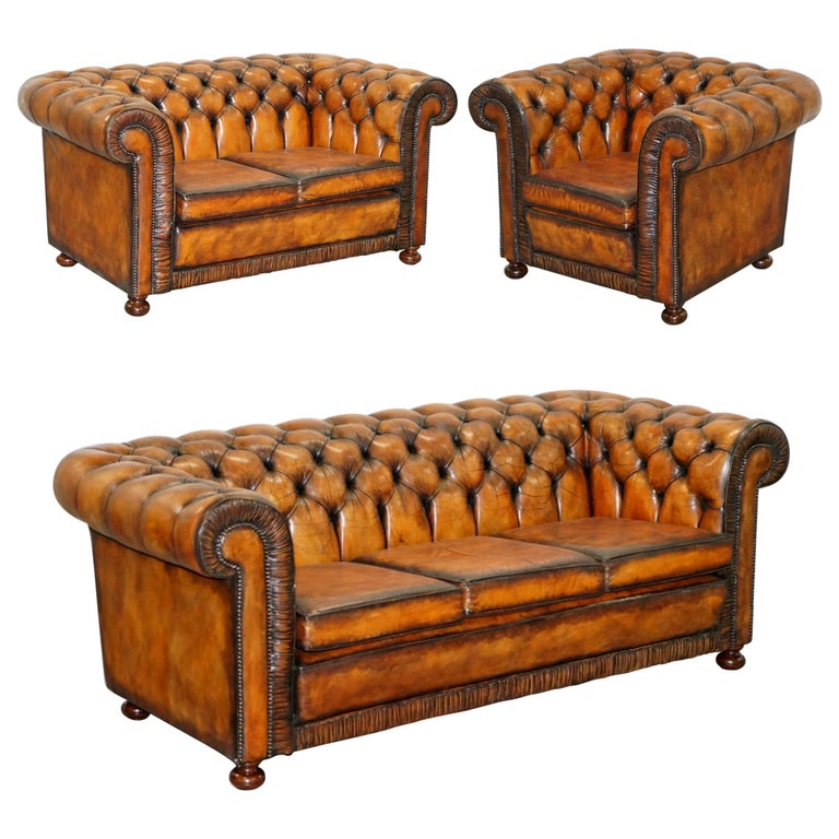Vintage Restored Brown Leather Chesterfield Library Club Armchair and Sofa Suite For Sale
