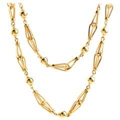 Vintage Retro 18 Karat Gold Long Necklace Chain Necklace