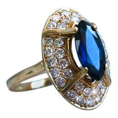 Vintage Retro 18 Karat Yellow Gold Diamond and Marquise Sapphire Ring 3.08 Carat