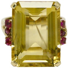 Vintage Retro Citrine Ruby Cocktail Ring 1940s 16 Carat Emerald Cut Gemstone