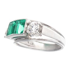Vintage Retro Emerald Diamond 18 Karat Gold Ring