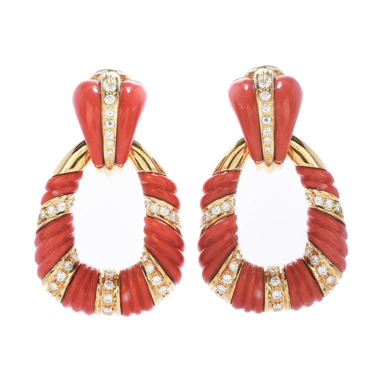 Vintage Retro Diamond Coral 18k Gold Twist Dangle Door-Knob Earrings For Sale