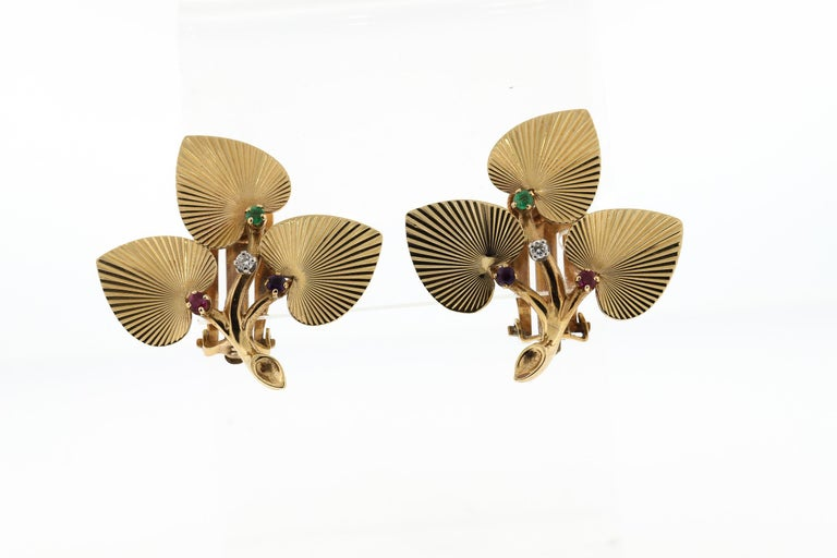 Vintage Retro Tiffany & Co. 14 Karat Yellow Gold Textured Leaf Earrings Pin Set For Sale 4