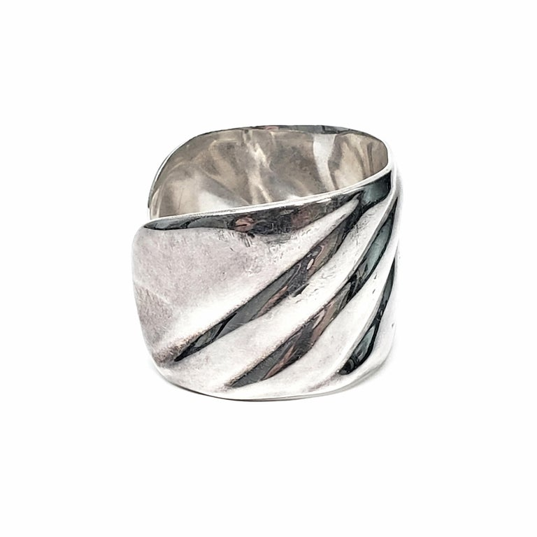 Vintage Roberto Ballesteros Mexico Sterling Silver Wide Cuff Bracelet In Good Condition For Sale In New Milford, CT