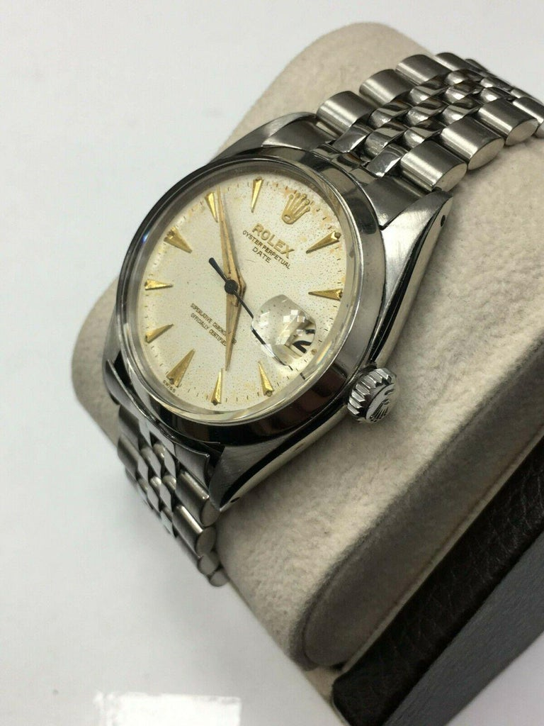 Vintage Rolex Date 1500 Original Silver Dial Stainless Steel Box Papers In Excellent Condition For Sale In San Diego, CA