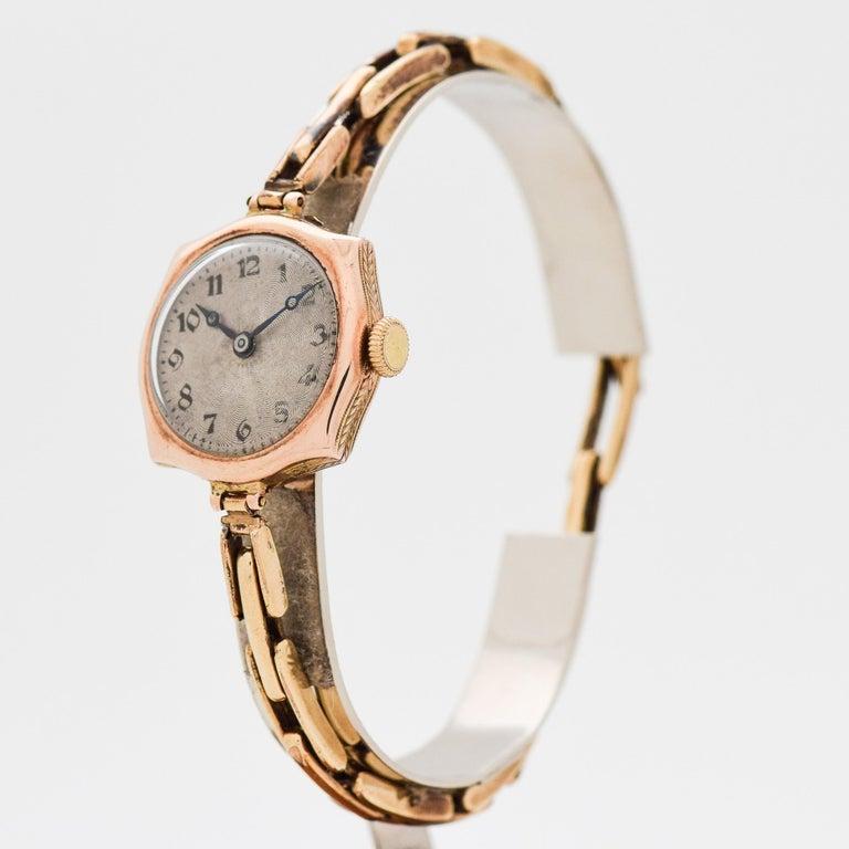 9cf7a285dd0 Vintage Rolex Ladies 9 Karat Rose Gold Watch, 1910s In Fair Condition For  Sale In