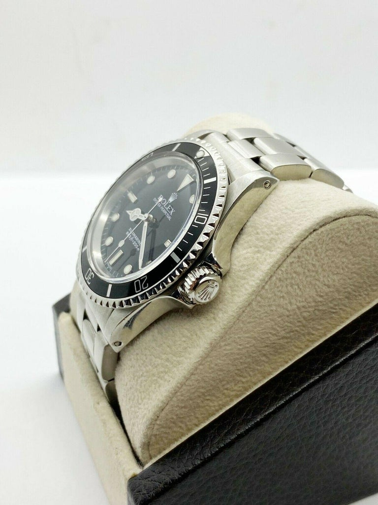 Vintage Rolex Submariner 5513 Black Dial Stainless Steel 1979 Mint Dial In Excellent Condition For Sale In San Diego, CA