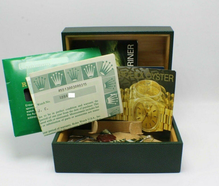 Men's Vintage Rolex Submariner 5513 Stainless Steel Box and Papers, 1989 For Sale