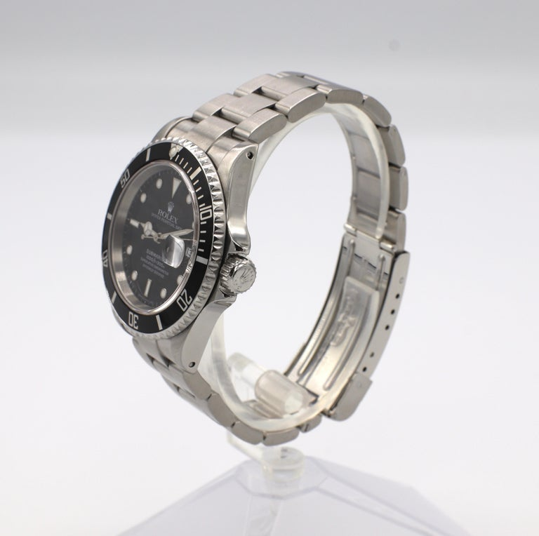 Vintage Rolex Submariner Stainless Steel Reference 16610 In Good Condition For Sale In  Baltimore, MD