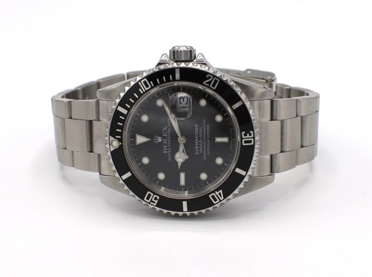 Vintage Rolex Submariner Stainless Steel Reference 16610 For Sale 1