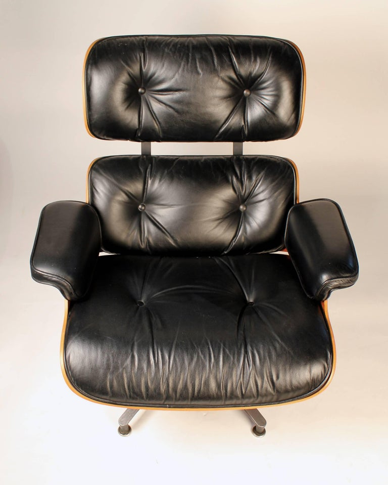 American Vintage Rosewood Charles Eames 670 Lounge Chair & 671 Ottoman for Herman Miller For Sale