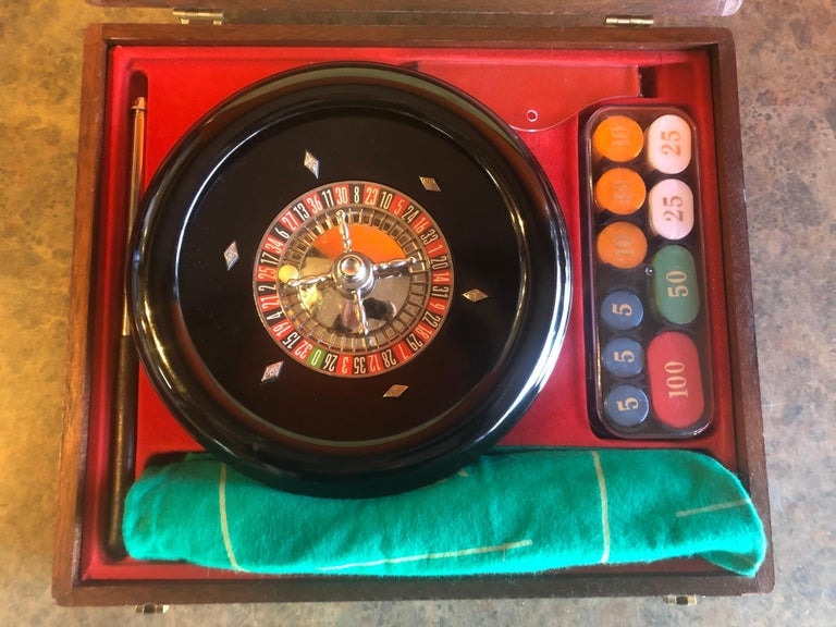 Vintage Roulette Set in Case by Rottgames For Sale 3