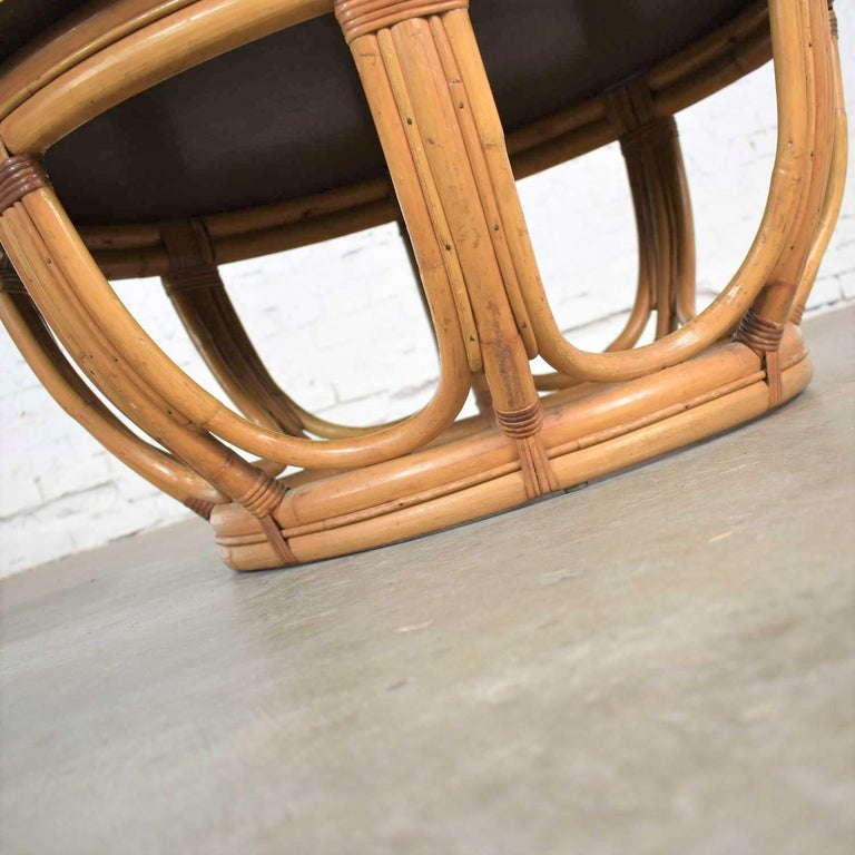 Vintage Round Rattan Drum Shape Coffee or End Table with Laminate Top For Sale 4