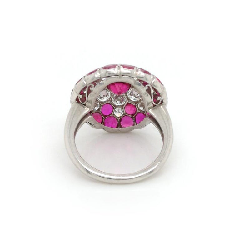 Vintage Ruby and Diamond Platinum Ring Circa 1950 In Good Condition For Sale In London, GB