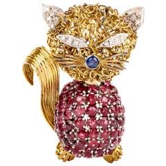 Vintage Ruby Diamond Yellow Gold Cat Animal Pin Brooch
