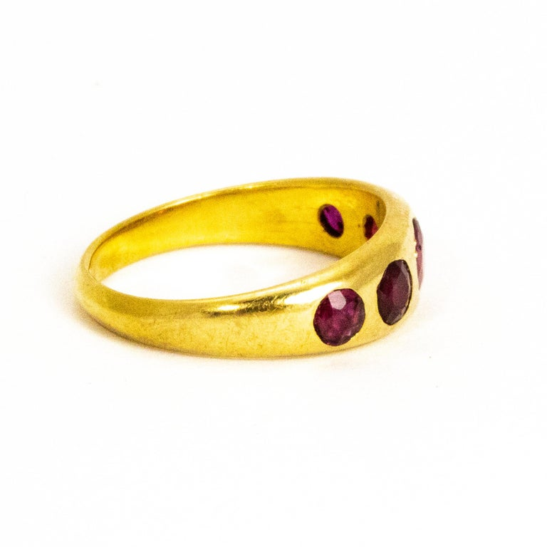 Vintage Ruby Five-Stone 18 Carat Gold Band In Good Condition For Sale In Chipping Campden, GB