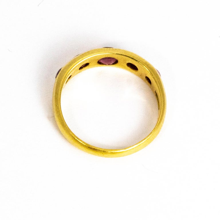 Vintage Ruby Five-Stone 18 Carat Gold Band For Sale 1