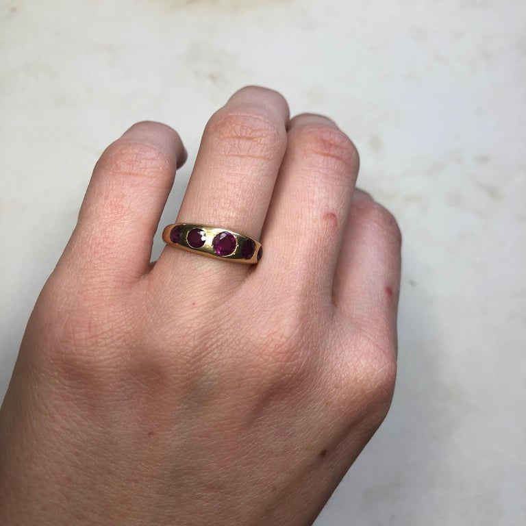 Vintage Ruby Five-Stone 18 Carat Gold Band For Sale 2