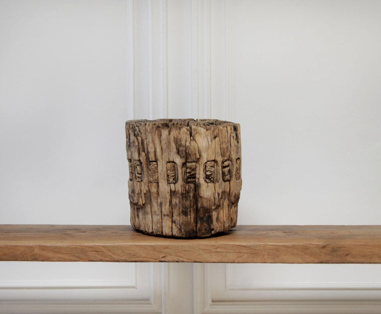 Vintage rustic architectural elm wood wheel can be used as it is, or as a base for an arrangement of succulents or orchids. Measures: 11.5