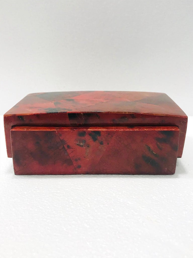 Organic Modern Vintage R&Y Augousti Decorative Box in Mosaic Red and Black Pen-Shell, c. 2000 For Sale