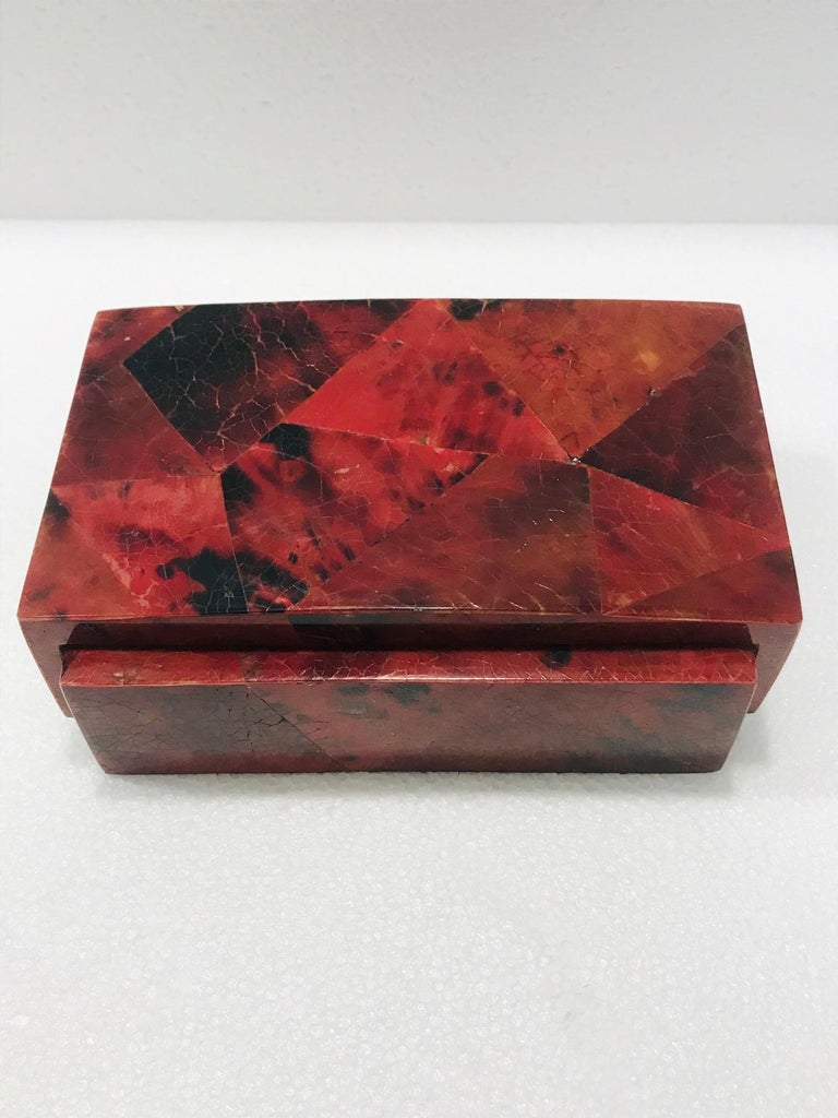Hand-Crafted Vintage R&Y Augousti Decorative Box in Mosaic Red and Black Pen-Shell, c. 2000 For Sale