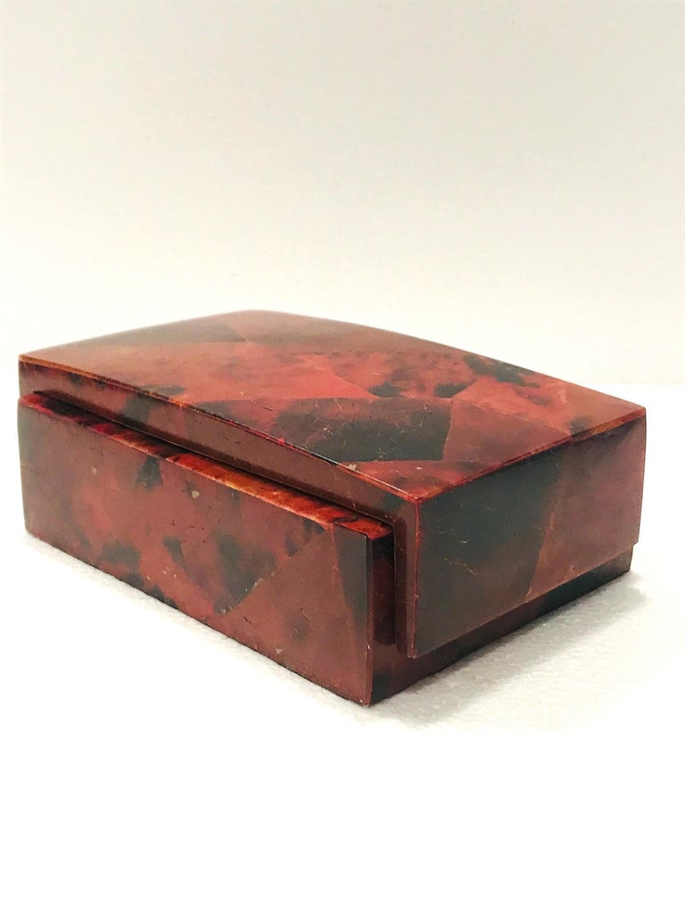 Contemporary Vintage R&Y Augousti Decorative Box in Mosaic Red and Black Pen-Shell, c. 2000 For Sale
