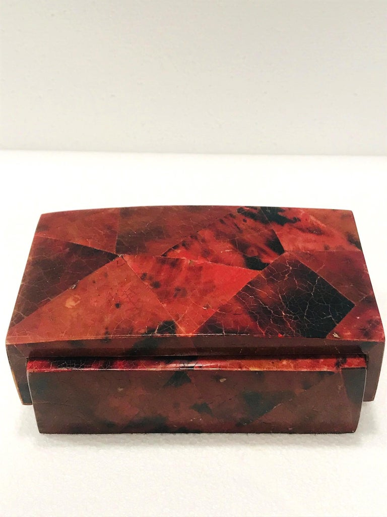 Vintage R&Y Augousti Decorative Box in Mosaic Red and Black Pen-Shell, c. 2000 For Sale 1