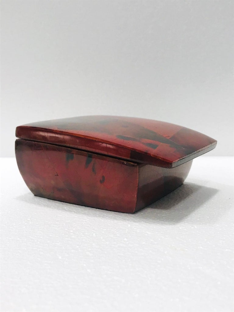 Organic Modern Vintage R&Y Augousti Trinket Box in Mosaic Red and Black Pen-Shell, circa 2000 For Sale