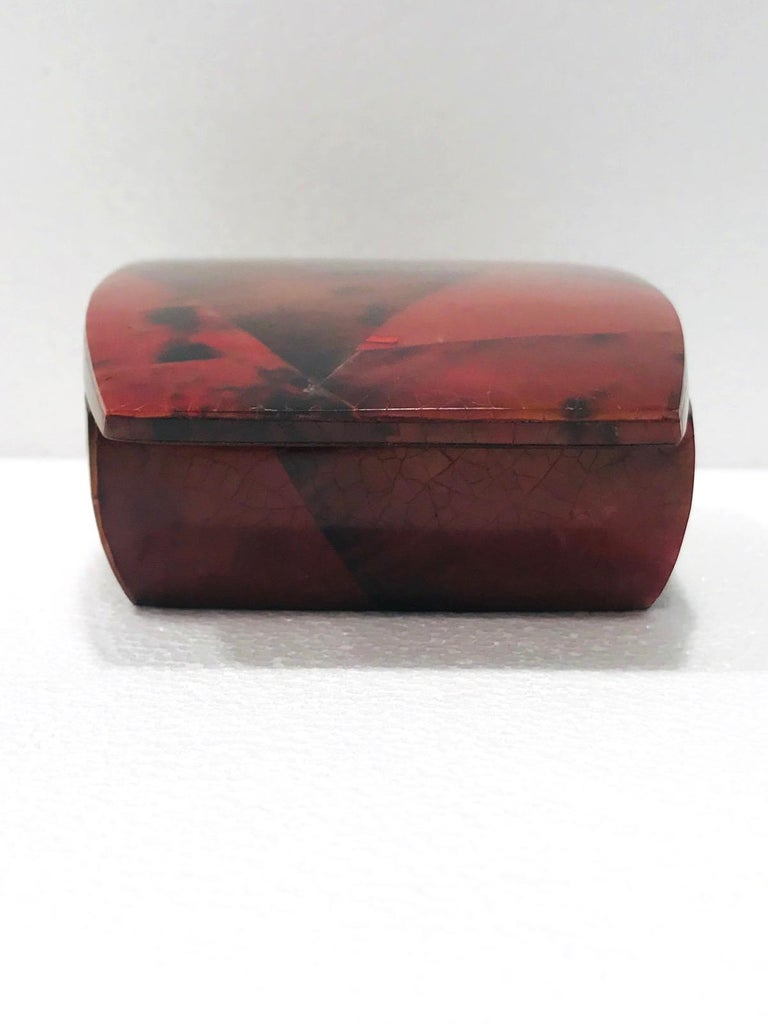 Vintage R&Y Augousti Trinket Box in Mosaic Red and Black Pen-Shell, circa 2000 For Sale 2